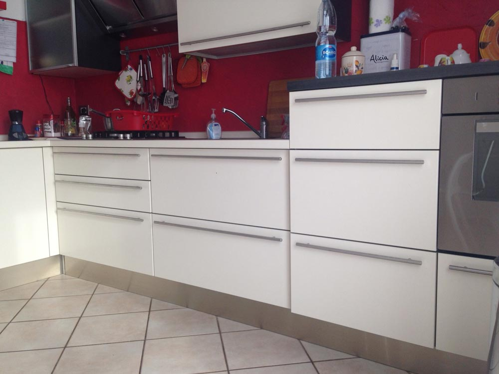 Vuoi rinnovare la cucina senza cambiarla scorpi come - Rinnovare la cucina ...