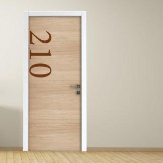 Adesivo per porte hotel e ufficio: effetto legno con numero personalizzato