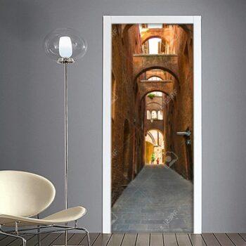 Adesivo per porta: Siena scorcio strada medievale centro storico