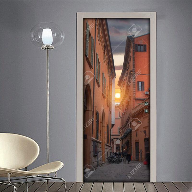 Adesivo per porta città di Bologna con strette ed antiche vie